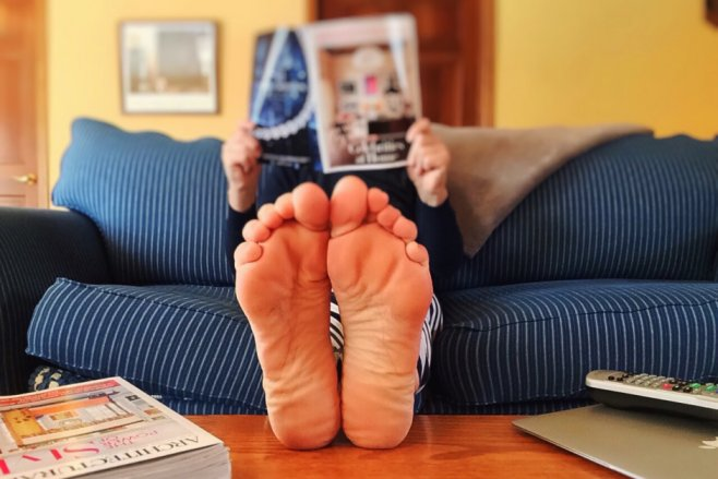 reading-feet