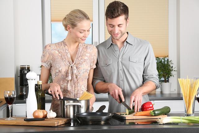 woman-man-cooking